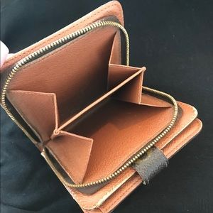 Louis Vuitton Bags - Authentic Louis Vuitton Zip BiFold Monogram Wallet